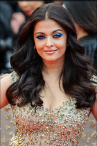 Celebrity Photo: Aishwarya Rai 1280x1923   402 kb Viewed 75 times @BestEyeCandy.com Added 364 days ago
