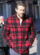 Celebrity Photo: Ryan Reynolds 750x1024   175 kb Viewed 62 times @BestEyeCandy.com Added 711 days ago