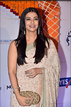 Celebrity Photo: Aishwarya Rai 1280x1923   414 kb Viewed 116 times @BestEyeCandy.com Added 722 days ago