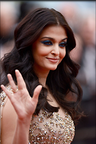 Celebrity Photo: Aishwarya Rai 1280x1918   289 kb Viewed 72 times @BestEyeCandy.com Added 364 days ago