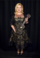 Celebrity Photo: Kelly Clarkson 500x730   63 kb Viewed 223 times @BestEyeCandy.com Added 842 days ago