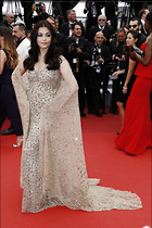 Celebrity Photo: Aishwarya Rai 1280x1920   401 kb Viewed 50 times @BestEyeCandy.com Added 364 days ago