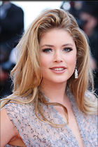 Celebrity Photo: Doutzen Kroes 1999x3000   745 kb Viewed 27 times @BestEyeCandy.com Added 19 days ago