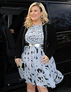 Celebrity Photo: Kelly Clarkson 787x1024   160 kb Viewed 242 times @BestEyeCandy.com Added 850 days ago