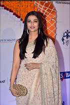 Celebrity Photo: Aishwarya Rai 1280x1923   396 kb Viewed 97 times @BestEyeCandy.com Added 722 days ago
