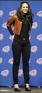 Celebrity Photo: Alicia Keys 8 Photos Photoset #220667 @BestEyeCandy.com Added 1071 days ago