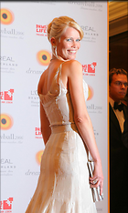 Celebrity Photo: Claudia Schiffer 1024x1711   157 kb Viewed 221 times @BestEyeCandy.com Added 3142 days ago