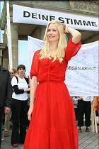 Celebrity Photo: Claudia Schiffer 1024x1536   176 kb Viewed 179 times @BestEyeCandy.com Added 3232 days ago