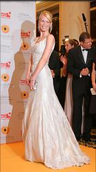 Celebrity Photo: Claudia Schiffer 1024x1830   184 kb Viewed 166 times @BestEyeCandy.com Added 3142 days ago