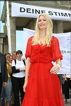 Celebrity Photo: Claudia Schiffer 1024x1536   167 kb Viewed 175 times @BestEyeCandy.com Added 3232 days ago