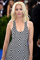 Celebrity Photo: Elizabeth Banks 47 Photos Photoset #366258 @BestEyeCandy.com Added 474 days ago