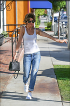 Celebrity Photo: Lisa Rinna 1200x1801   316 kb Viewed 41 times @BestEyeCandy.com Added 31 days ago