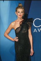 Celebrity Photo: Faith Hill 1200x1800   220 kb Viewed 105 times @BestEyeCandy.com Added 313 days ago