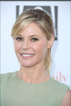 Celebrity Photo: Julie Bowen 2189x3283   837 kb Viewed 53 times @BestEyeCandy.com Added 101 days ago