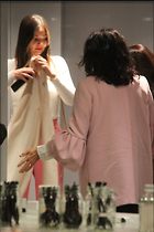 Celebrity Photo: Miranda Kerr 1200x1800   217 kb Viewed 11 times @BestEyeCandy.com Added 41 days ago