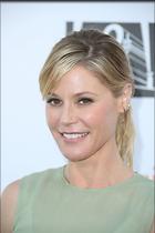 Celebrity Photo: Julie Bowen 1200x1800   152 kb Viewed 102 times @BestEyeCandy.com Added 467 days ago