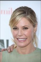 Celebrity Photo: Julie Bowen 2189x3283   811 kb Viewed 52 times @BestEyeCandy.com Added 101 days ago