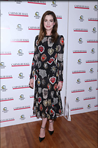 Celebrity Photo: Anne Hathaway 5 Photos Photoset #386932 @BestEyeCandy.com Added 24 days ago
