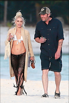 Celebrity Photo: Gwen Stefani 22 Photos Photoset #403661 @BestEyeCandy.com Added 50 days ago