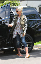 Celebrity Photo: Gwen Stefani 1200x1858   316 kb Viewed 52 times @BestEyeCandy.com Added 91 days ago