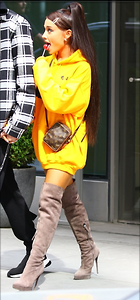 Celebrity Photo: Ariana Grande 781x1676   373 kb Viewed 9 times @BestEyeCandy.com Added 25 days ago