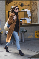 Celebrity Photo: Anne Hathaway 6 Photos Photoset #387293 @BestEyeCandy.com Added 18 days ago