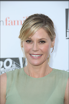 Celebrity Photo: Julie Bowen 2189x3283   779 kb Viewed 71 times @BestEyeCandy.com Added 101 days ago