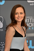 Celebrity Photo: Alexis Bledel 3062x4600   880 kb Viewed 44 times @BestEyeCandy.com Added 74 days ago