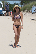 Celebrity Photo: Bethenny Frankel 1200x1800   205 kb Viewed 37 times @BestEyeCandy.com Added 20 days ago