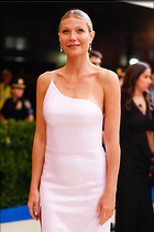 Celebrity Photo: Gwyneth Paltrow 2400x3600   733 kb Viewed 42 times @BestEyeCandy.com Added 160 days ago