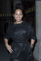 Celebrity Photo: Alicia Keys 1200x1800   197 kb Viewed 38 times @BestEyeCandy.com Added 64 days ago