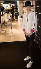 Celebrity Photo: Cara Delevingne 1200x2015   186 kb Viewed 25 times @BestEyeCandy.com Added 50 days ago
