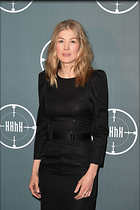 Celebrity Photo: Rosamund Pike 1200x1800   237 kb Viewed 35 times @BestEyeCandy.com Added 86 days ago