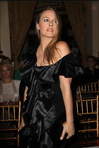Celebrity Photo: Alicia Silverstone 2100x3150   772 kb Viewed 39 times @BestEyeCandy.com Added 44 days ago