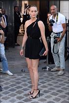 Celebrity Photo: Amber Valletta 6 Photos Photoset #417352 @BestEyeCandy.com Added 15 days ago