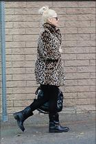 Celebrity Photo: Gwen Stefani 1200x1800   444 kb Viewed 13 times @BestEyeCandy.com Added 27 days ago