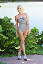 Celebrity Photo: Kristin Chenoweth 2100x3150   613 kb Viewed 78 times @BestEyeCandy.com Added 179 days ago