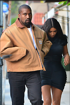 Celebrity Photo: Kimberly Kardashian 22 Photos Photoset #451768 @BestEyeCandy.com Added 32 days ago