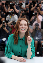 Celebrity Photo: Julianne Moore 1280x1872   214 kb Viewed 40 times @BestEyeCandy.com Added 62 days ago