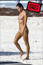 Celebrity Photo: Alessandra Ambrosio 2200x3300   2.0 mb Viewed 1 time @BestEyeCandy.com Added 10 days ago