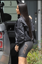 Celebrity Photo: Kimberly Kardashian 13 Photos Photoset #447769 @BestEyeCandy.com Added 87 days ago