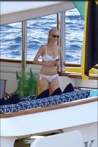 Celebrity Photo: Claudia Schiffer 1200x1797   255 kb Viewed 42 times @BestEyeCandy.com Added 27 days ago