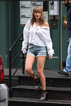 Celebrity Photo: Taylor Swift 1200x1800   204 kb Viewed 30 times @BestEyeCandy.com Added 138 days ago