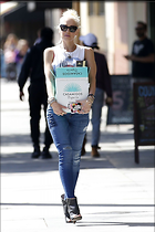 Celebrity Photo: Gwen Stefani 1200x1800   181 kb Viewed 42 times @BestEyeCandy.com Added 52 days ago