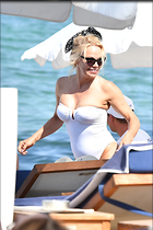Celebrity Photo: Pamela Anderson 2000x3000   788 kb Viewed 60 times @BestEyeCandy.com Added 29 days ago
