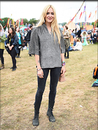 Celebrity Photo: Fearne Cotton 1200x1598   422 kb Viewed 67 times @BestEyeCandy.com Added 86 days ago
