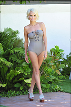 Celebrity Photo: Kristin Chenoweth 2100x3150   574 kb Viewed 51 times @BestEyeCandy.com Added 179 days ago