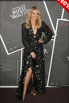 Celebrity Photo: Kylie Minogue 2779x4169   981 kb Viewed 36 times @BestEyeCandy.com Added 5 days ago