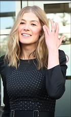 Celebrity Photo: Rosamund Pike 1200x1989   291 kb Viewed 49 times @BestEyeCandy.com Added 88 days ago