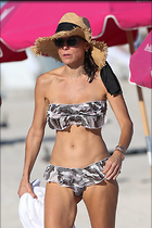 Celebrity Photo: Bethenny Frankel 1200x1800   225 kb Viewed 119 times @BestEyeCandy.com Added 220 days ago